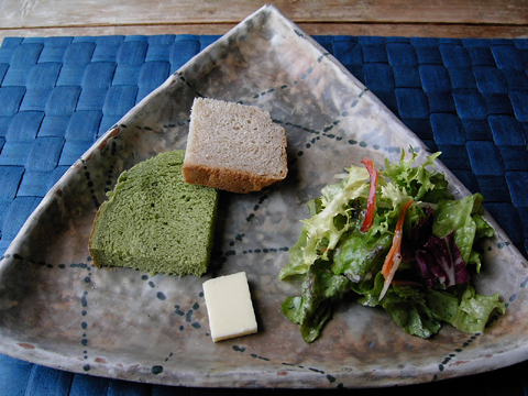bread&sarad.jpg
